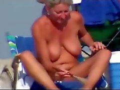 amador milfs nudez em público