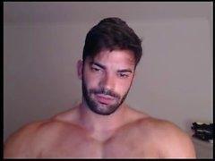 Sergi webcam showing off in briefs