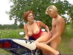 bbw büyük göğüsler komik