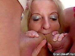 grandmafriends 3some old granny threesome