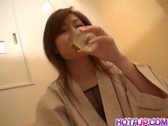 la mujer asiática adolescente juguetes asiático japonés