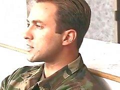 homosexuell militär spikes armee