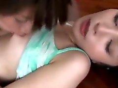 amateur asian fingering lesbian