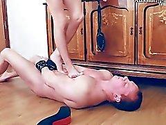 oralsex avsugning porrstjärnan