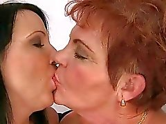 oma lesbisch lesbische mütter lesbischen sex lesbian fickende frauen filme