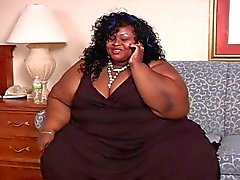 bbw black and ebony face sitting