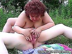 bbw morena lésbica ao ar livre