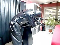 mask tied-up latex gloves