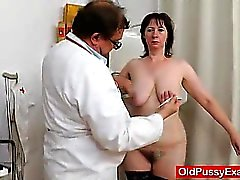 brunette european gaping hairy