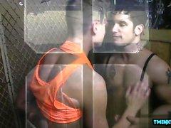 stora tuppar glad sperma sprut gayvänligt ansikts gayvänligt homofile glad muskel homosexuella
