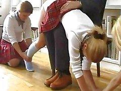 koulutytöt selkäsauna yhdenmukainen selkäsauna