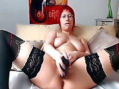 sologirl masturbation rotschopf big tits spielzeug