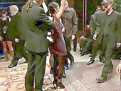bdsm bunden offentlig slav exhibitionism kvinnlig förödmjukelse gang bang kön
