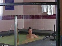 isot tissit pidätettiin - hoitajavälitys palvelee piilotettu kamerat uima-allas