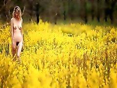 sarışın kıllı açık sıska küçük memeler