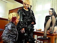 blondine doggystyle fetisch gruppen-sex