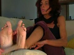 kink point-of-view mature feet