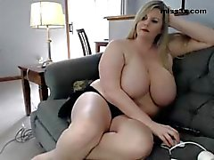 bbw chaturbate plumper big-tits big-boobs