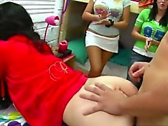 amateur blonde blowjob brunette