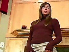 bébé brunette en gros plan fétiche poilu