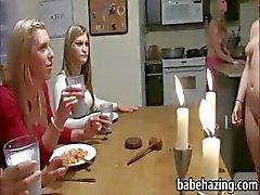 amateur américain bébé étudiante lesbienne
