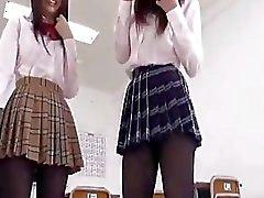 japon külotlu çorap kız öğrenciler üçlü