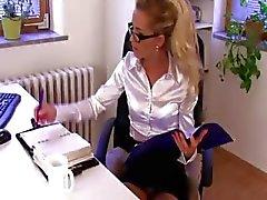 amatööri tyttö blondi ylivalta dominatrix