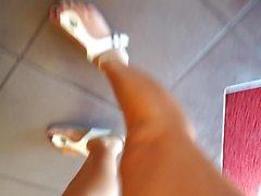 clignotant fétichisme des pieds cames cachées nudité en public