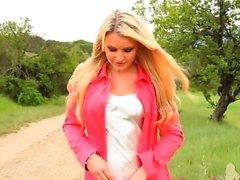 babe blonde outdoor