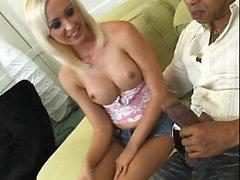 блондинка минет собачьи межрасовый