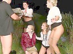 boquete fetiche sexo em grupo hardcore ao ar livre