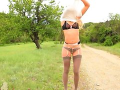babe blonde outdoor