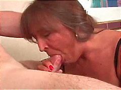 deauxma granny old