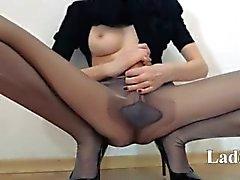 amateur kindje brunette meisje lesbisch