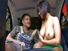 coppia sesso vaginale sesso orale brunetta grandi tette