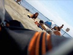 plage nudité en public étudiante