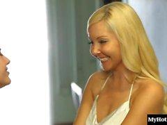 lesbisch oralsex blondine brünett