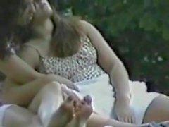 lesbiche upskirts baciare
