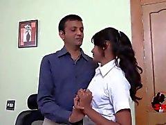 adolescente giovane indiano romance adolescente