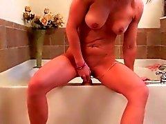 amateur masturbation milfs orgasms