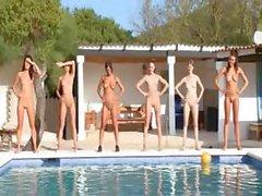 babe girl nude pool