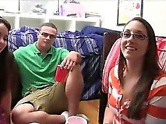 amatööri busty college tyttö helvetin lasit