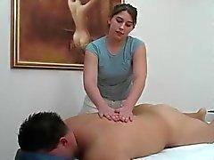 handjobs massage seins