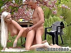 oral sex blowjob outdoor