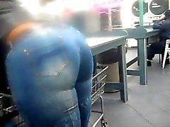 amador piscando nudez em público