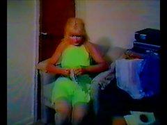 amateur grannies nylon stockings