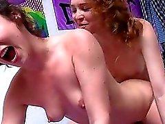 boşalma strapons lezbiyen lezbiyen kızlar lesbian strap-on bayan arkadaş