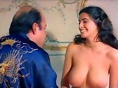 büyük göğüsler ünlüler italyan