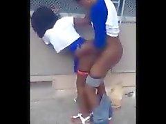 amateur noir et ébène nudité en public