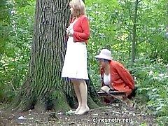 public outside wedding-piss